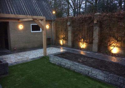 Aanleg-achtertuin-Nunspeet-keramische-tegels