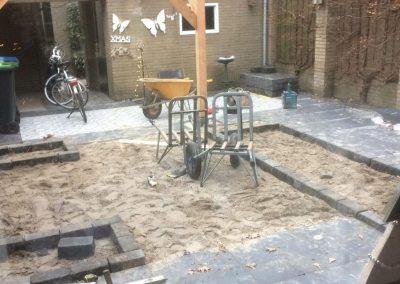 Aanleg-achtertuin-Nunspeet-tuin-terras-grondwerk