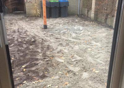 Aanleg-achtertuin-Nunspeet-tuin-terras-grondwerk-hout