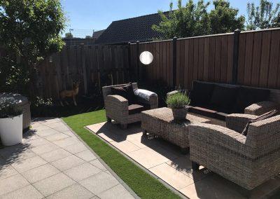 Aanleg tuin keramisch terras kunstgras Nunspeet