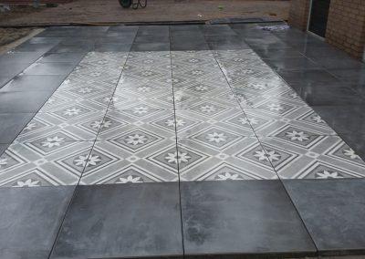 Bestrating keramische tegels Nunspeet
