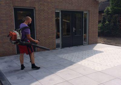 aanleg terras tegels Nunspeet sierbestrating